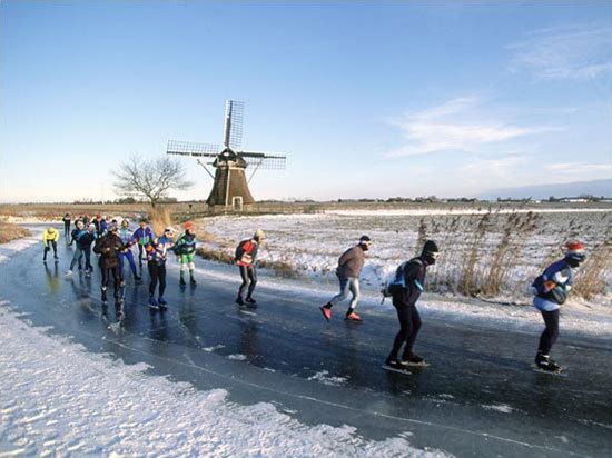 Hollandiában télen a gyorskorcsolya számít a legfontosabb szabadidős sportnak - Fotó: elfstedentocht.nl