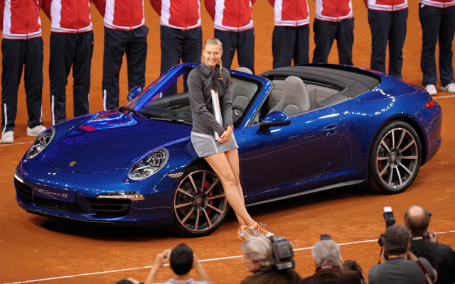 Marija Sarapova a stuttgarti tenisztornán nyert Porscéval
