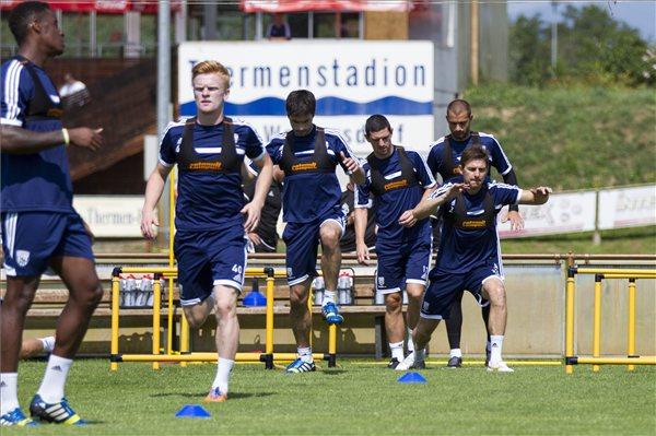 Gera egyelőre még nem végez minden munkát a csapattal - Fotó: MTI