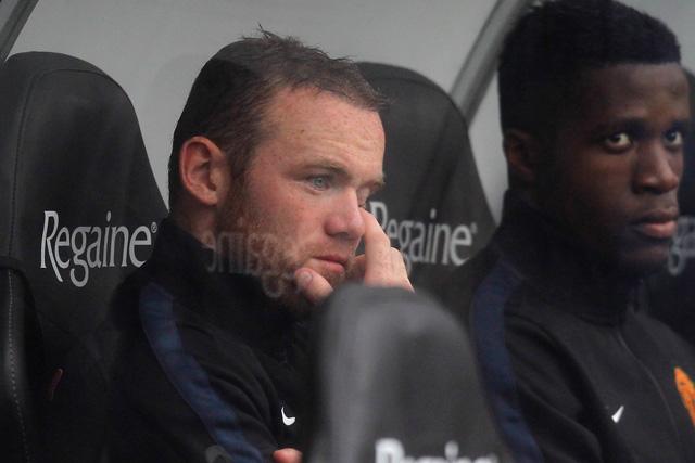 Rooney a cserék között találta magát a nyitányon - fotó: AFP