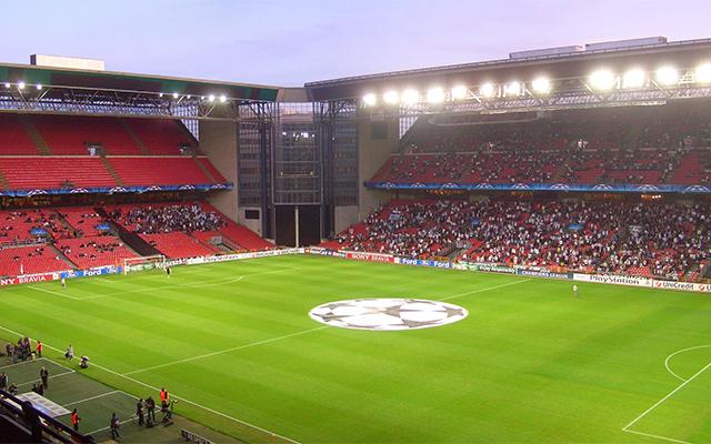 Idegeneknek belépni tilos! Kitiltják az külföldi vezetéknevűeket a Parken Stadionból