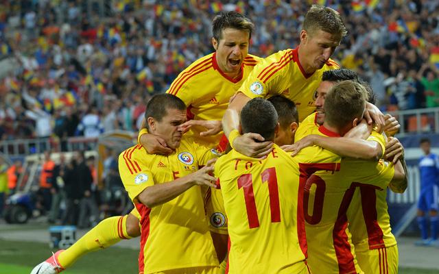 Ünnepelhet Románia, a Piturca-csapat közelebb került a pótselejtezőhöz - Fotó: AFP