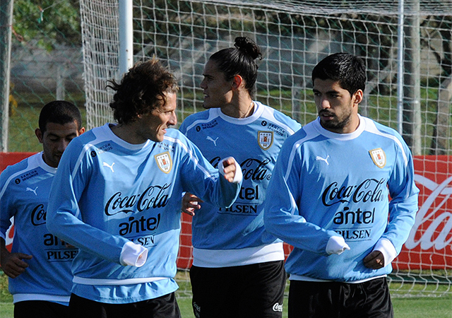 Forlán és Suárez sokat tehet azért, hogy Uruguay vb-álmai tovább éljenek/ AFP