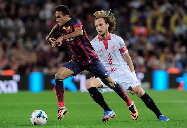 Neymar pazar húzásokkal örvendeztette meg a barcelonai közönséget - fotó: AFP