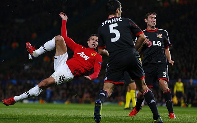 Van Persie félollóból lőtt gólt - Fotó: AFP