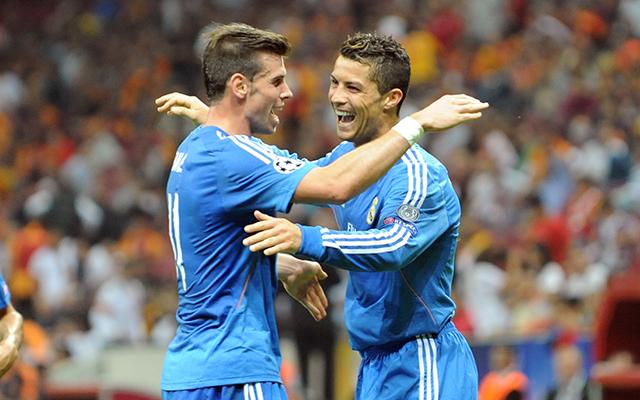 Bale gratulál Ronaldónak - Fotó: AFP