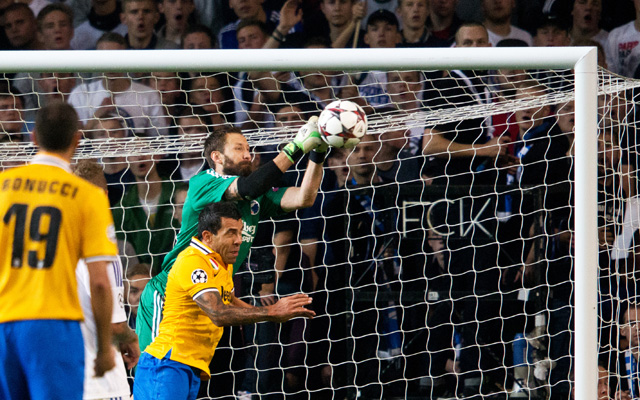 Wiland (zöldben) bravúrt bravúrra halmozott a Juventus ellen  - fotó: AFP