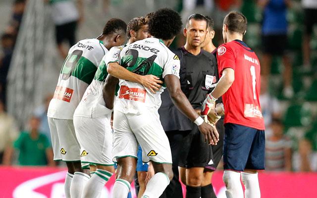 Már egy korábbi meccse miatt is büntetés vár Muniz Fernándezre - Fotó: AFP