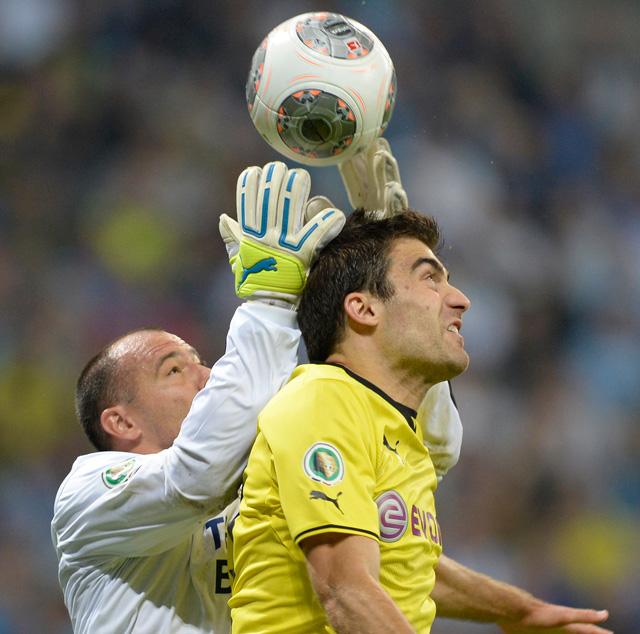 Király számos bravúrt bemutatott a Dortmund ellen - fotó: AFP