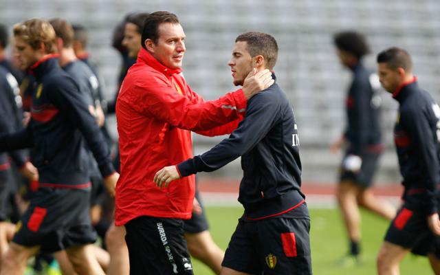 Wilmots-mester (pirosban) jobbnál jobb játékosok közül válogathat, Hazard is közéjük tartozik - Fotó: AFP
