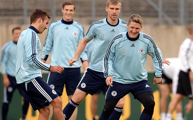 Pillanat kép a német válogatott edzéséről: mosolygó arcok mindenhol / AFP