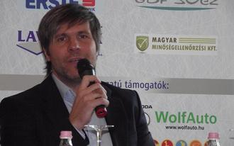 Magasabban jegyzik a magyar hokit - Kangyal Balázs