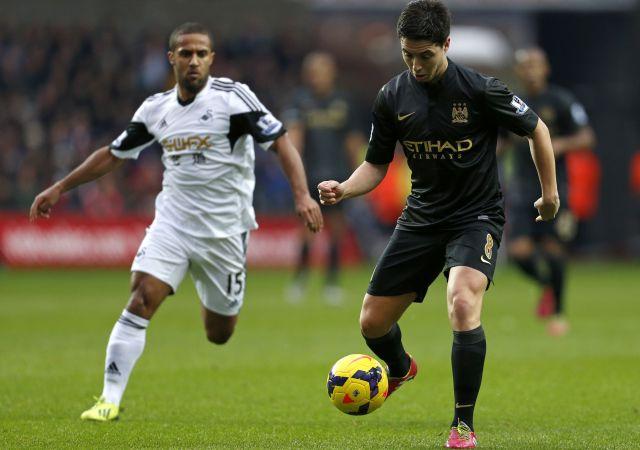 Nasri (jobbra) újabb siker részese volt a Manchester Cityben - fotó: AFP