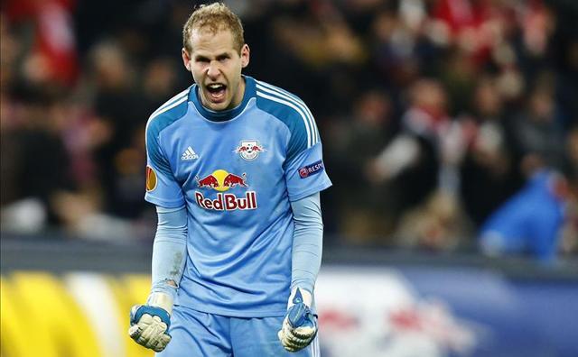Gulácsi Péter első salzburgi szezonjában bajnoki aranyérmet nyert - Fotó: AFP
