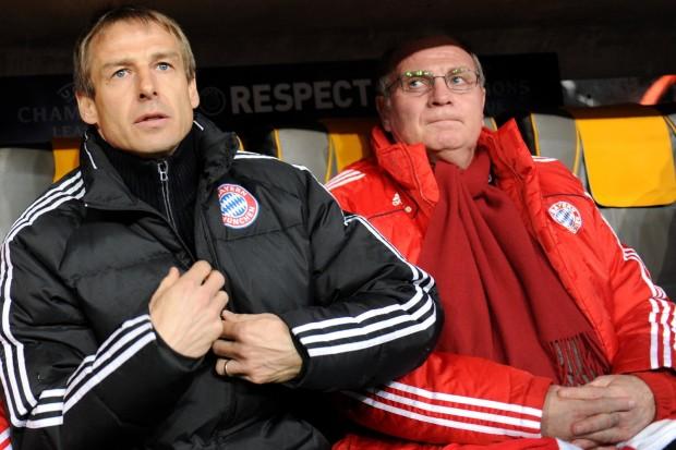 Uli Hoeness és a vezetőedző sokszor feszengett a kispadon
