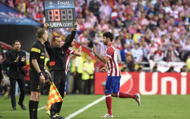 Costa egészségét hetek óta kockáztatta edzője - Fotó: AFP