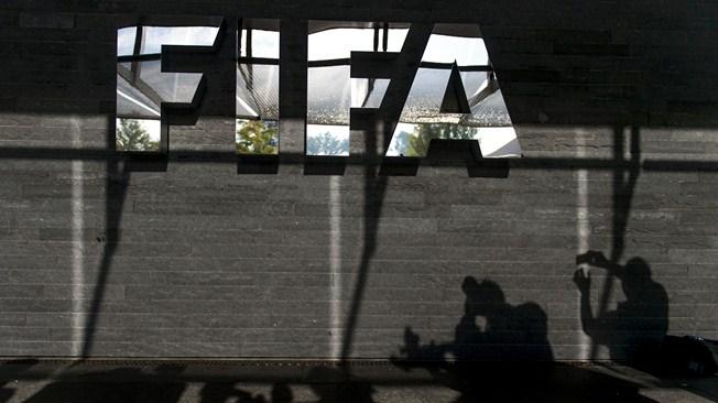 A FIFA tekintélye is a tét