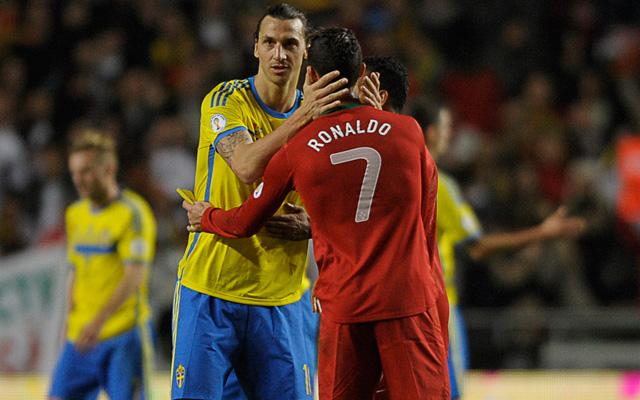 Ronaldo kitolt Ibrával - Fotó: AFP
