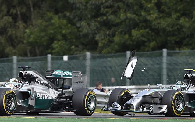 Rosberg bocsánatot kért Hamilton megleckéztetéséért