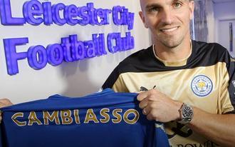 Esteban Cambiasso a Premier League-ben folytatja - hivatalos