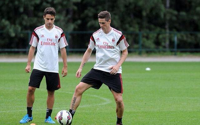 Torres készülhet az első tétmeccsre a Milanban