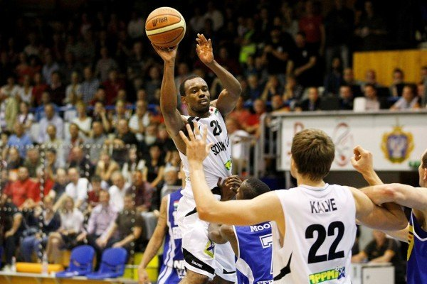 James Florence ellenfélként térhet vissza Szolnokra. - Fotó: MTI