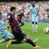 Ibra Messivel, Mourinho Wengerrel csap össze