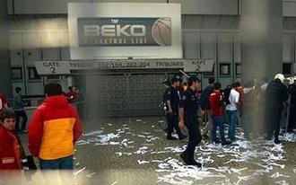 Tragédiába fulladt a Galatasaray-Zvezda kosármeccs