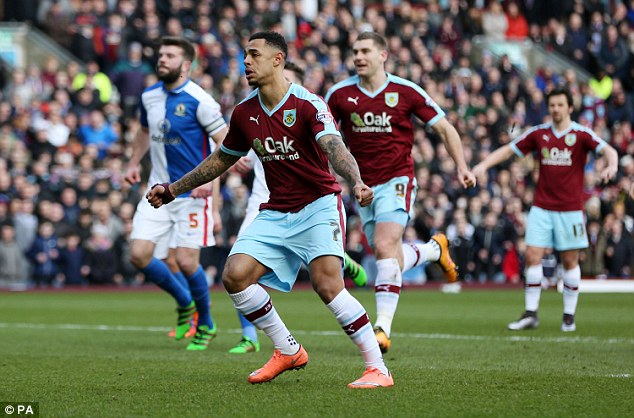 Andre Gray tavaly repítette a Burnley-t