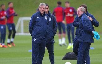 Rooney, Hart és Cahill nélkül is favorit Anglia