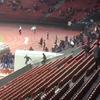 Nyugaton már megoldották! Zürichben rátámadtak a klubvezetőkre - videó