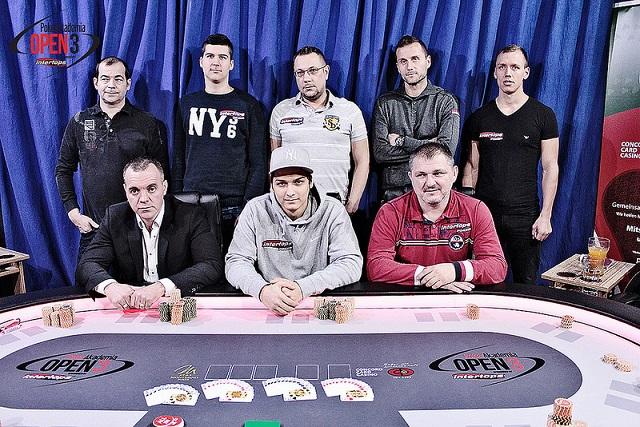 Vasziljevics (felső sor, jobbról a második) 12 ezer euróval lett gazdagabb / fotó: pokerakademia.com