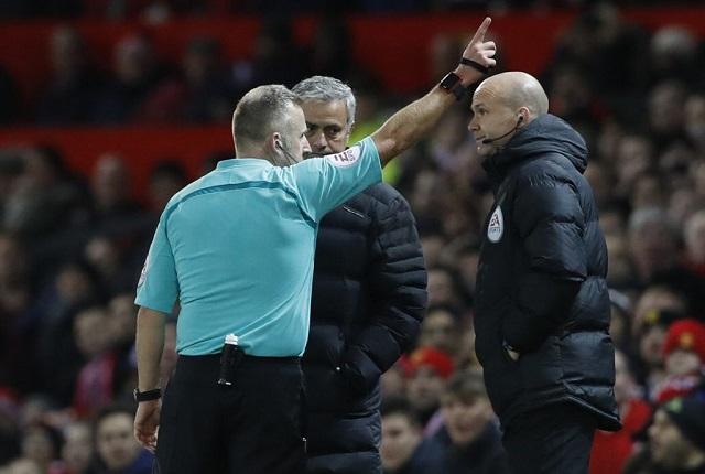 Mourinhót kiállították, továbbra sem a Unitednek