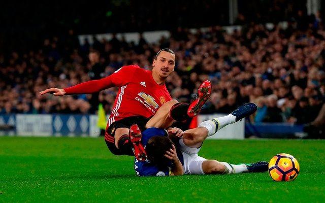 A United a másodosztályú Readinget fogadja szombaton.