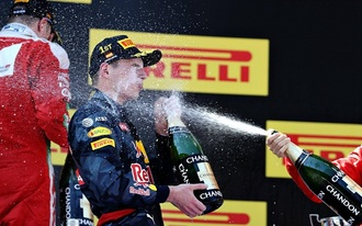 Verstappen nyert, de Hamilton is örülhet
