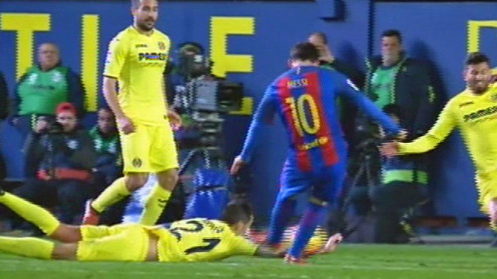 Az egyik tizenegyesgyanús eset Messi lövésénél