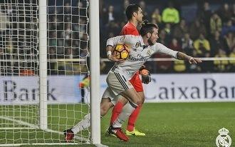Piqué beleszállt a Realba, Ramos leoltotta