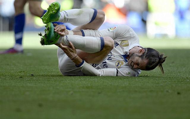 Ismerős pillanat: Bale fájdalmas arccal a gyepen
