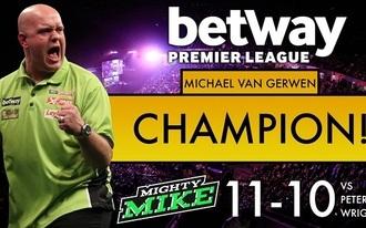 Drámai meccsen védte meg címét Van Gerwen
