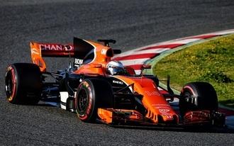 Alonso kenterbe veri csapattársát Bakuban?