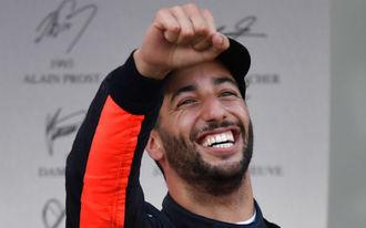 Ricciardo lett a nevető harmadik az őrült Azeri Nagydíjon