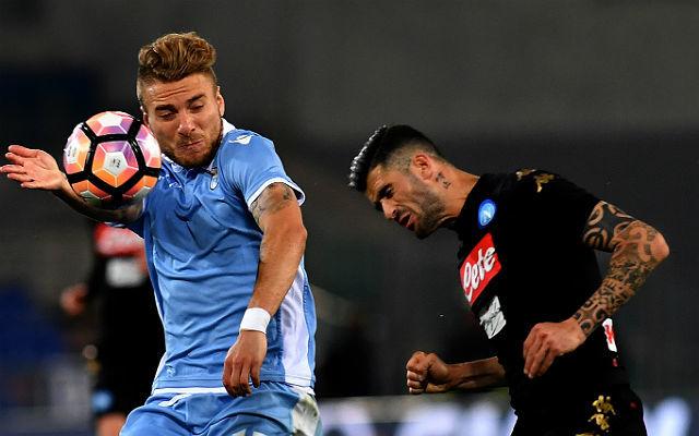 Immobile (balra) a hátán viszi a Napolit