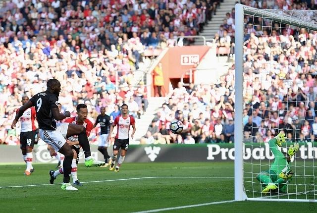 Lukaku újabb góljával őrzi veretlenségét a United