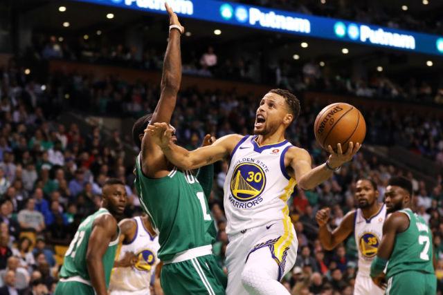 Curryék 92-88-ra maradtak alul. fotó:espn.com