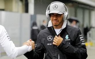 Hamilton a szezonzáró favoritja