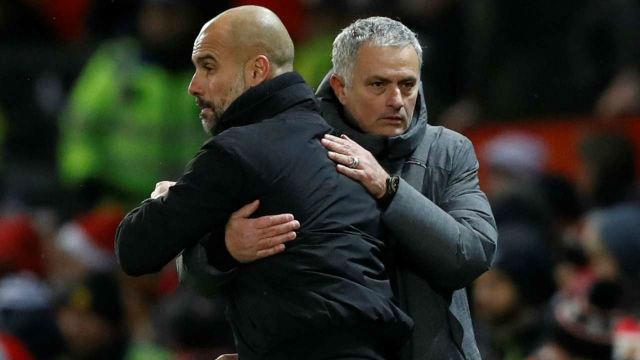 A két edzőzseni 'őszinte' ölelkezése a meccs után. fotó: reuters.com