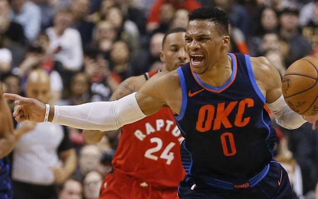 Westbrook 37 ponttal, 14 assziszttal és 13 lepattanóval zárt a Toronto ellen és zsinórban 6. meccsén ért el tripla duplát. Fotó: Fox Sports