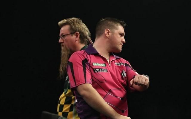 Feszült volt a hangulat Whitlock és Gurney között a tavalyi WGP-döntőben. - Fotó: PDC