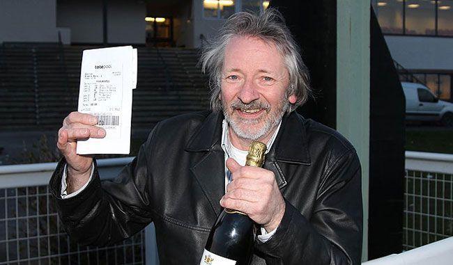 Steve Whiteley a valaha volt egyik legnagyobb nyertes szelvény boldog tulajdonosa / Fotó: casino.org