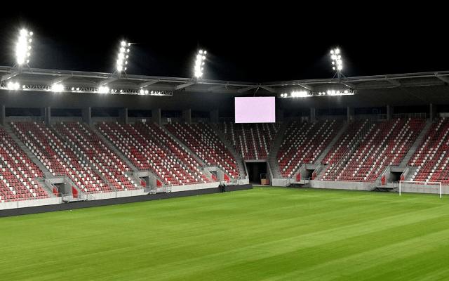 Úgy véljük nem kap ki a Diósgyőr új stadionjának avatóján. - Fotó: dvtk.eu